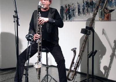 Udo Schindler mit Baßklarinette und Kontrabaßklarinette