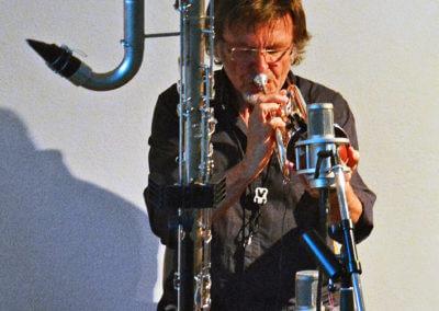 Udo Schindler mit Kontrabaßklarinette + Kornett